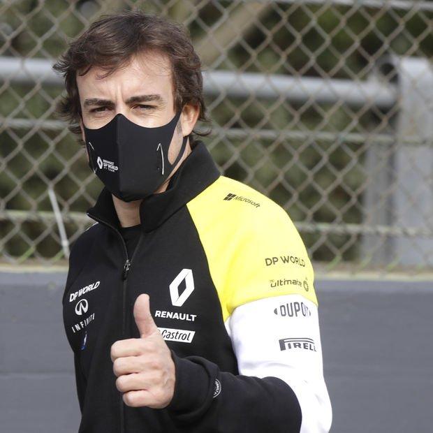 Trafik kazası geçiren Fernando Alonso, çenesinden ameliyat edildi